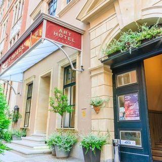 MFK:  24 h kryminał w Art Hotelu