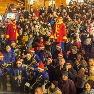 Świąteczna Parada z Mikołajem