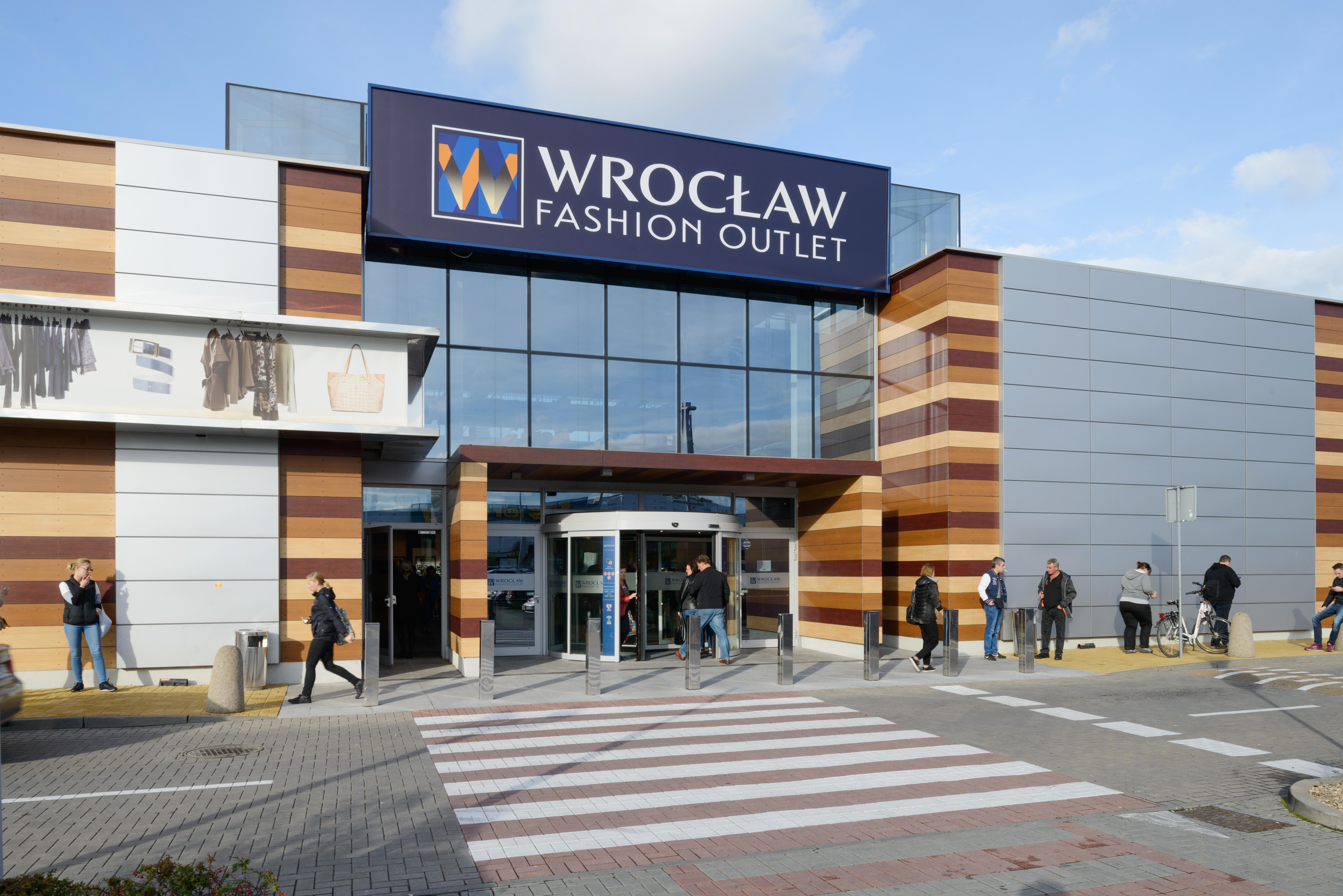 992e98b763296 Wrocław Fashion Outlet. +2 zdjęć