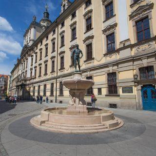 Szermierz – fontanna i pomnik