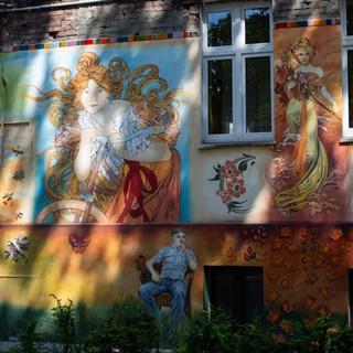 Murale - kolorowe podwórka przy ul. Roosevelta