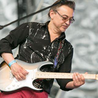 Bezpłatne gitarowe warsztaty dla dzieci z Leszkiem Cichońskim