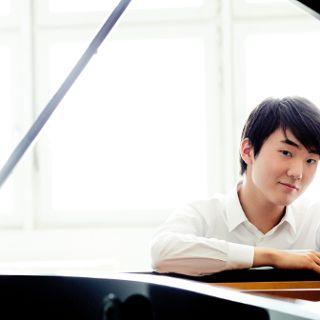 Seong-Jin Cho in NFM