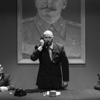 Spektakl POMNIK we Wrocławskim Teatrze Lalek