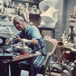 Moc natury. Henry Moore w Pawilonie Czterech Kopuł