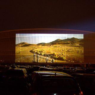 Kino samochodowe na Stadionie Wrocław
