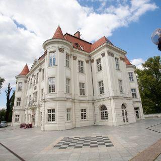 "Centro cultural ""Zamek"""